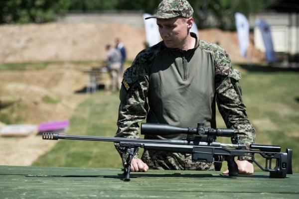 Чем русская снайперская винтовка ОРСИС Т-5000 лучше американской ...