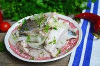 Рецепт селедки из толстолобика в домашних условиях