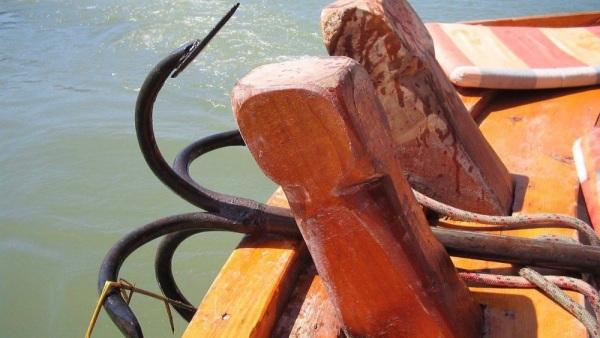 как сделать якорь для резиновой лодки