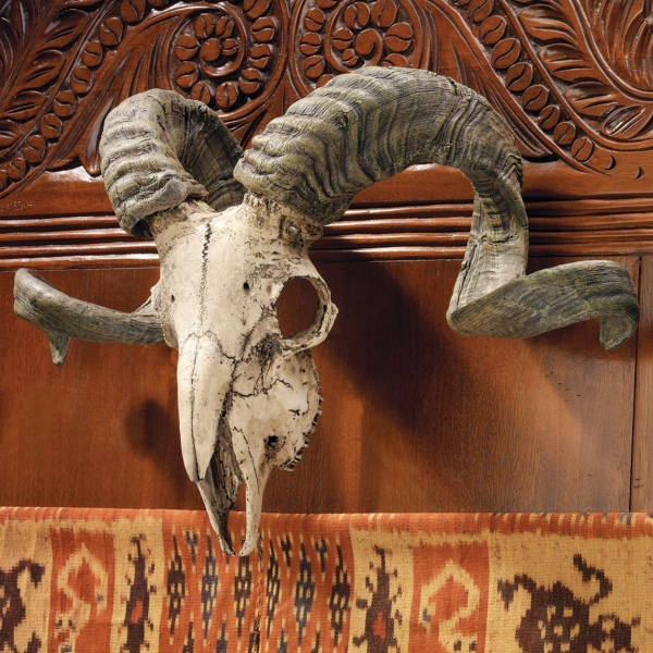череп с рогами
