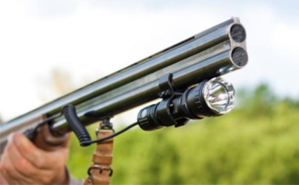 Подствольный фонарь для охоты: виды, фото